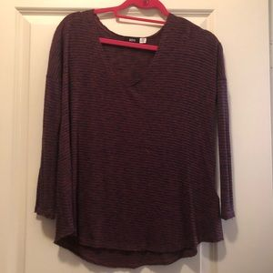 Long sleeve navy and red shirt
